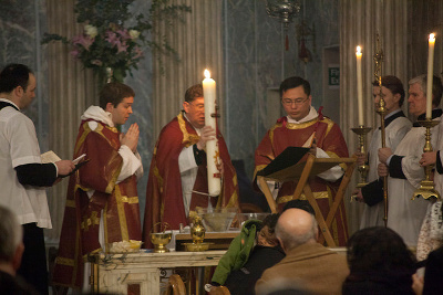 Triduum at St Mary Moorfields, London.  Photo Credit: Joseph Shaw